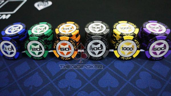 phỉnh poker casino clay
