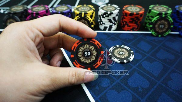 phỉnh poker crown mệnh giá 50